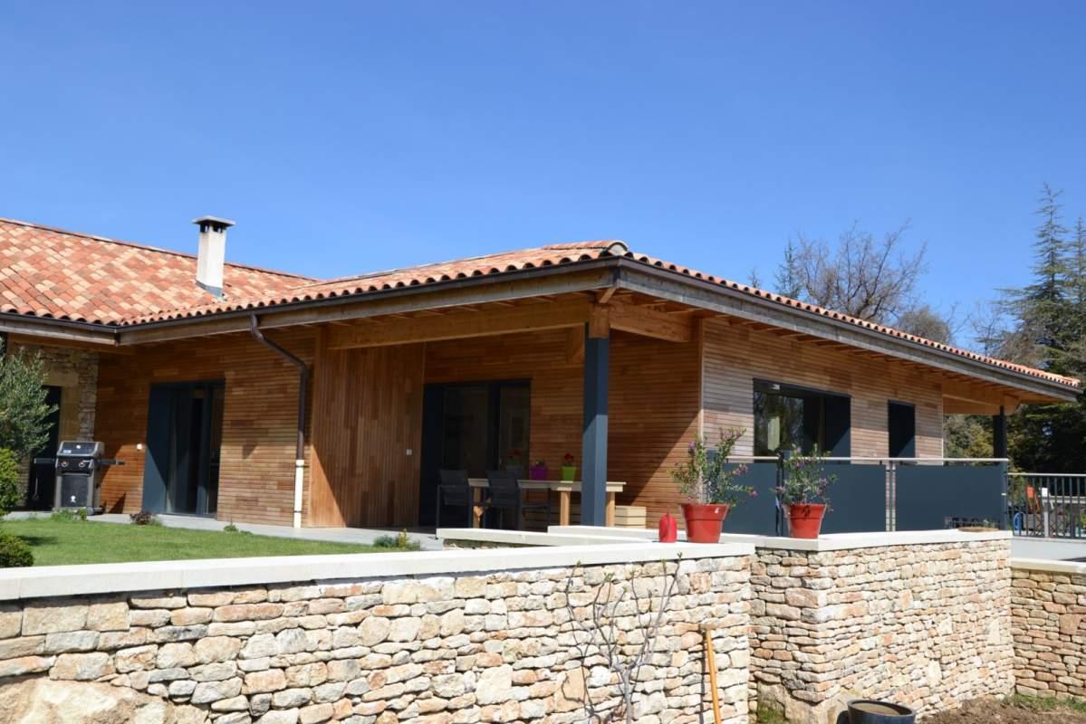 Artisan constructeur de maison ossature bois bois for Constructeur de maison 71