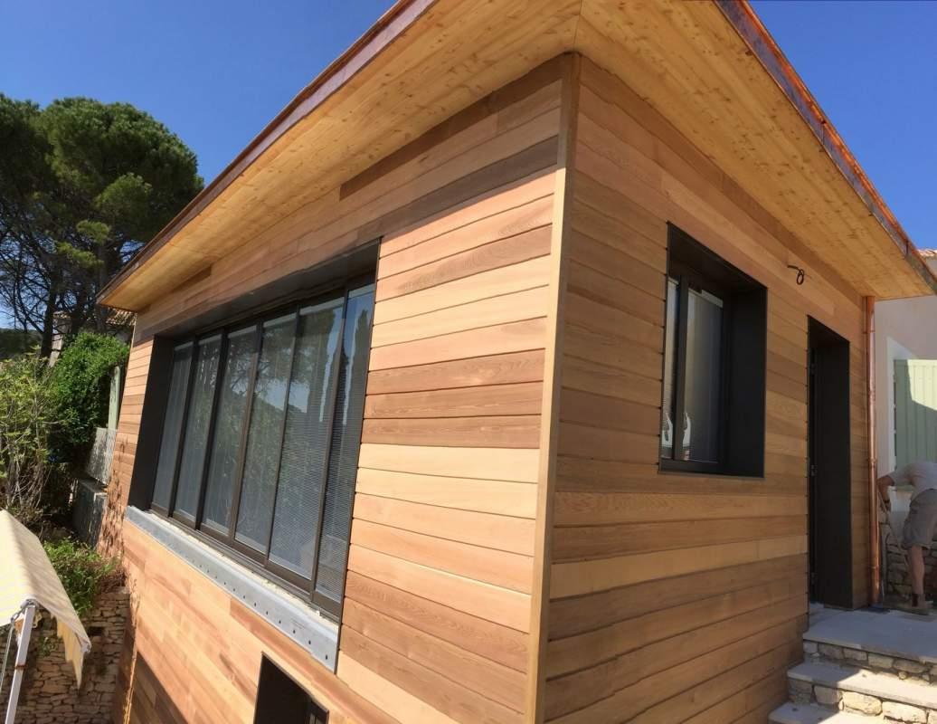 Agrandissement moderne de maison en ossature bois lioux for Agrandissement maison 90