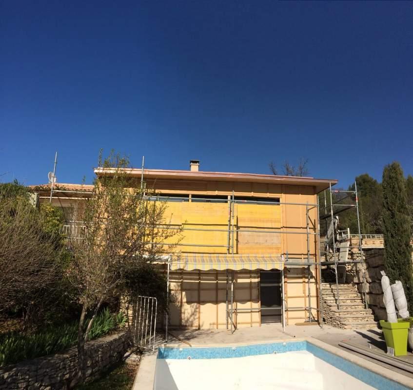 Agrandissement moderne de maison en ossature bois lioux for Agrandissement maison ossature bois