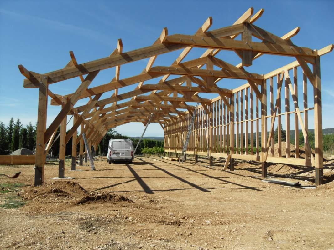 Plan Pour Construire Un Auvent En Bois construction d'une charpente en bois à manosque