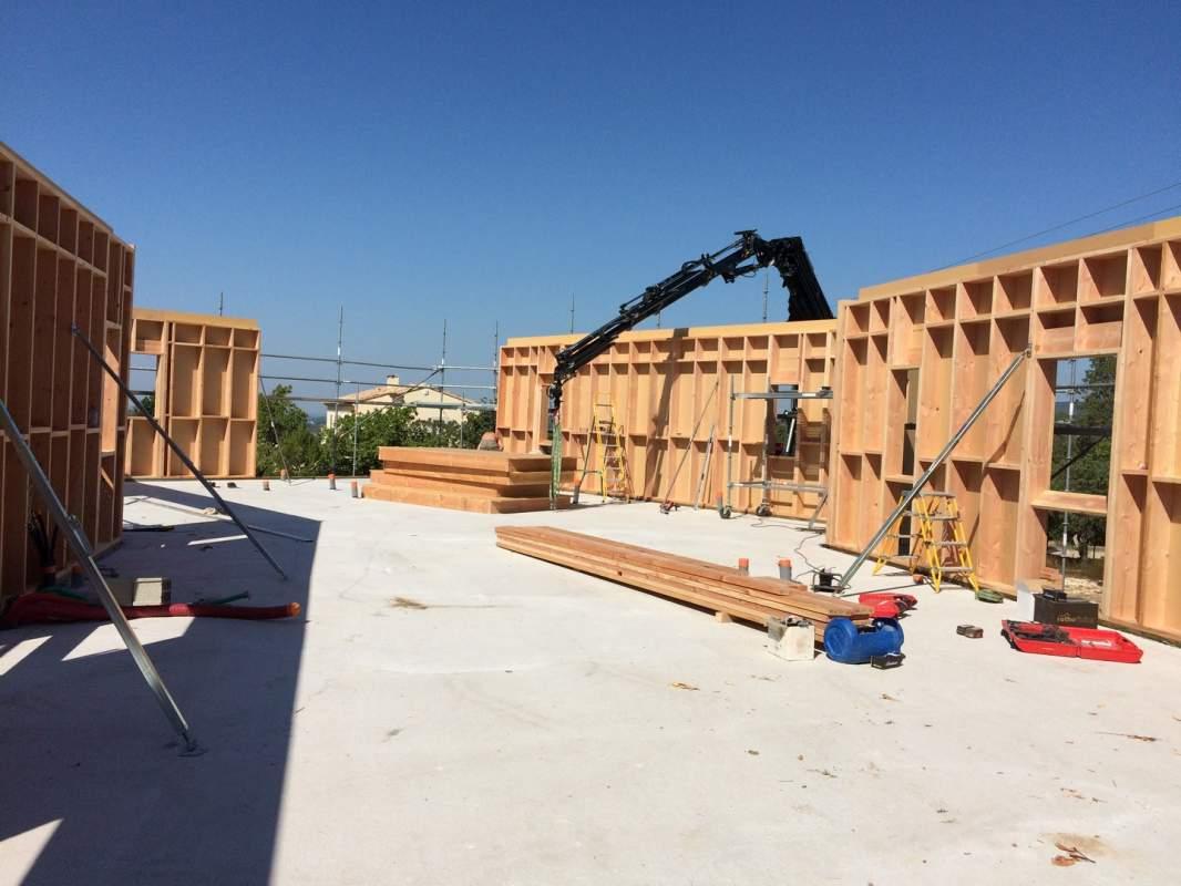 Recherche un artisan pour construire ma maison en bois en vaucluse et provence constructeur de for Construire ma maison