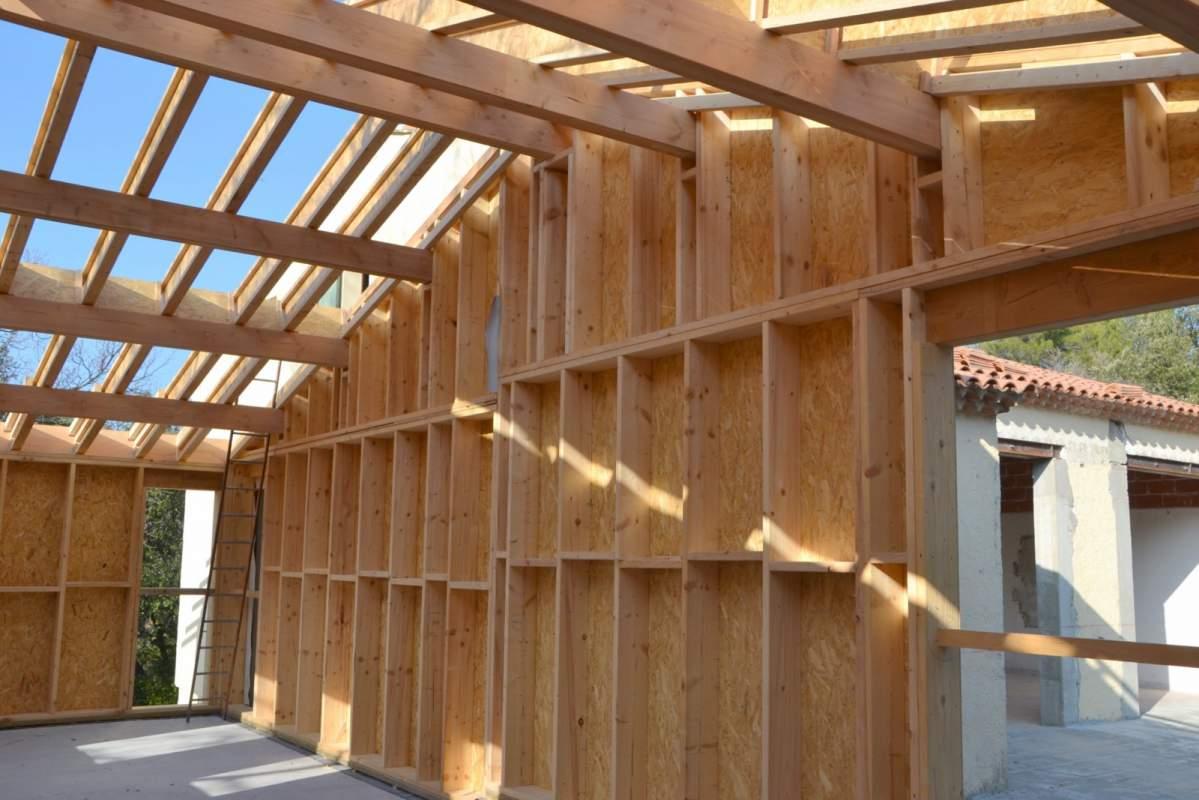 Recherche un artisan pour construire ma maison en bois en for Construire et agrandir