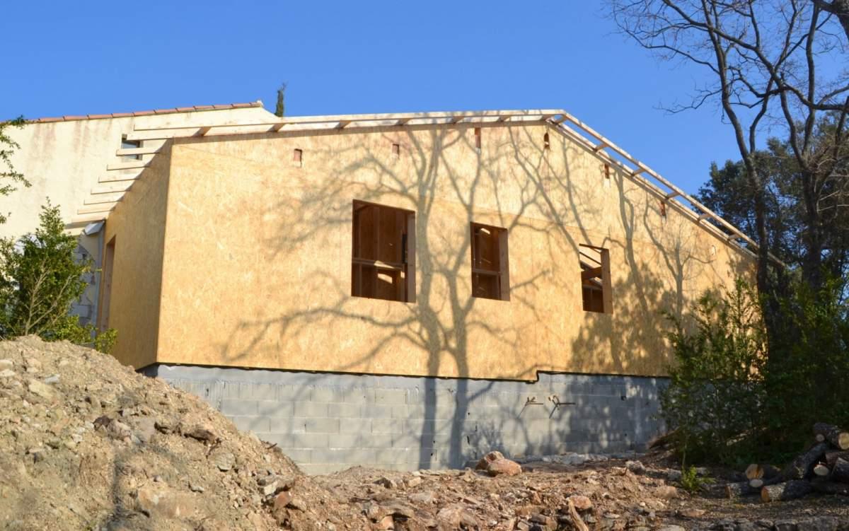Ma maison en bois des cabanes bois sur pilotis plonges - Du bois dans ma maison ...