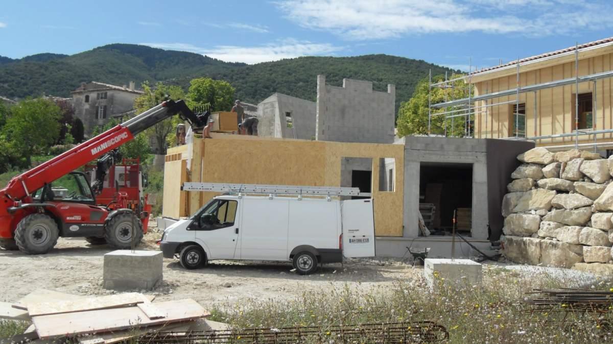 Construction de maisons haut de gamme en bois et pierres - Maison ossature bois haut de gamme ...