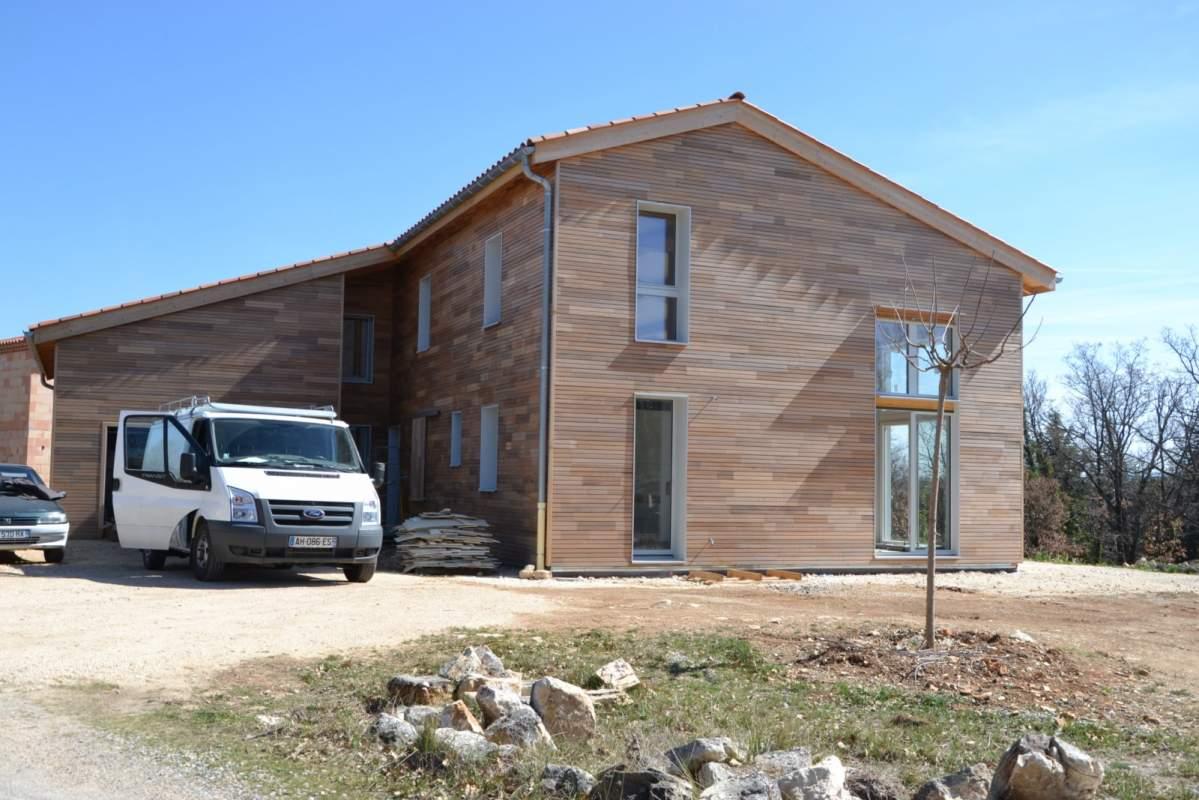 Construction d 39 une maison ossature bois bioclimatique for Constructeur une maison en bois