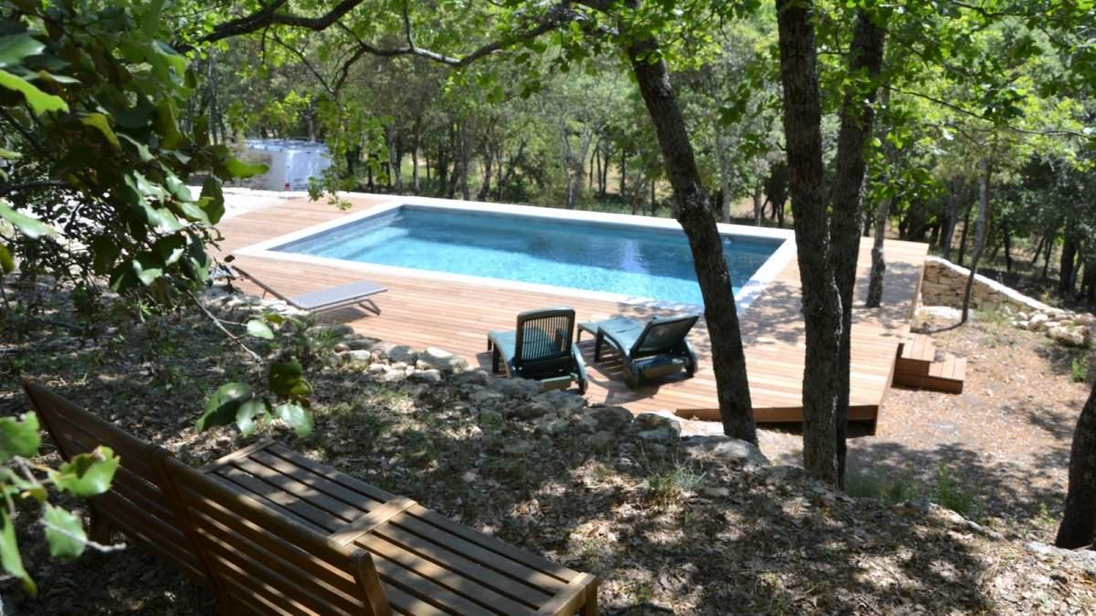 Fabrication et pose d 39 un deck de piscine bonnieux 84480 constructeur de maisons - Terrasse piscine hors terre aixen provence ...