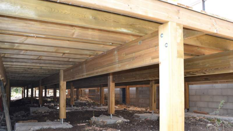 cr ation d 39 une terrasse bois cavaillon constructeur de maisons cologiques en provence. Black Bedroom Furniture Sets. Home Design Ideas