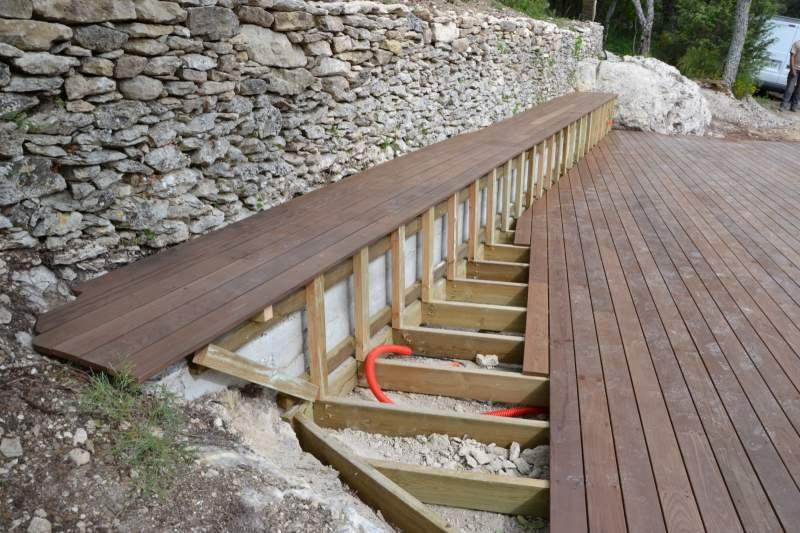 Création dune terrasse bois à Cavaillon  Constructeur de maisons